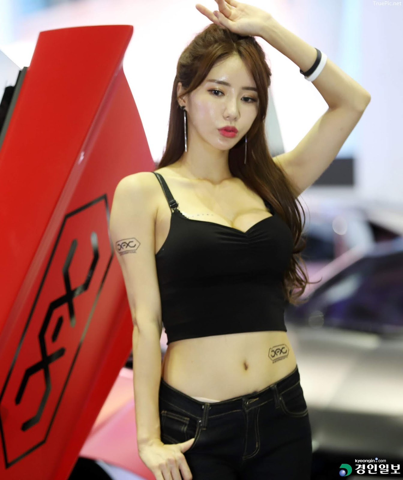 Korean Racing Model - Im Sola - Seoul Auto Salon 2019 - Picture 6