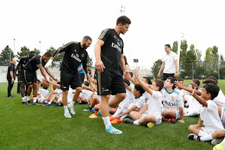 Los Chavales de la Fundacion Real Madrid recibieron una sorpresa
