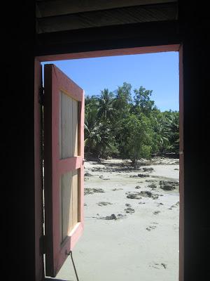 Penginapan di pulau lemukutan. Tempat wisata di kalimantan barat indonesia