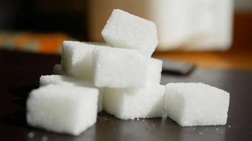 Pourquoi les glucides modernes nous font-ils grossir