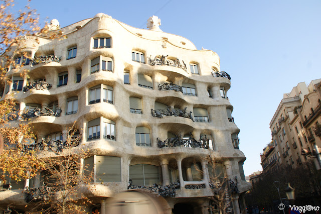La Pedrera nel quartiere dell'Example