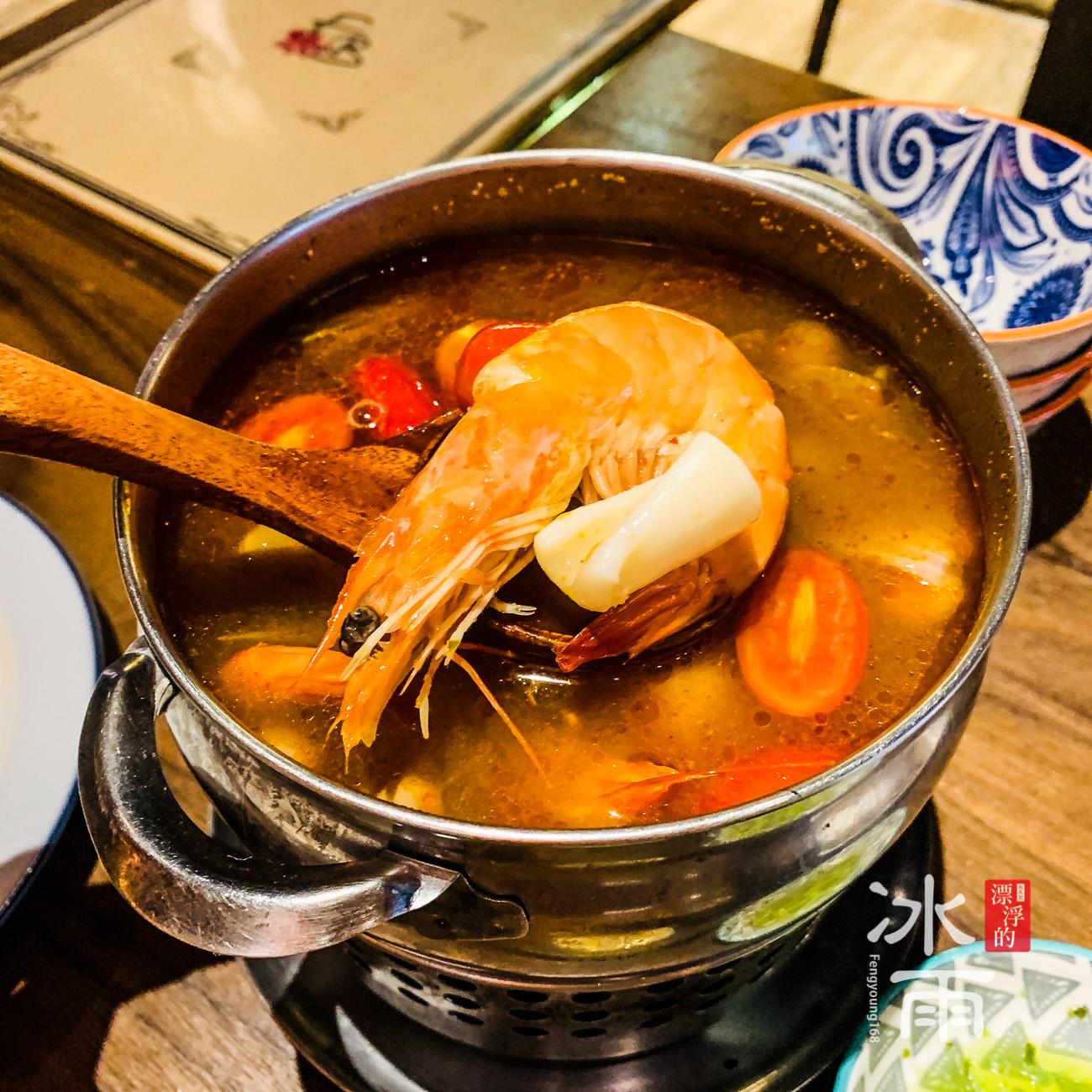 去泰國必吃的泰國酸辣湯,不管是清湯還是奶湯都很好喝