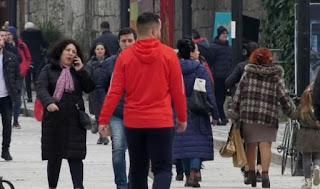 46 mijë shqiptarë ikin në 1 vit, përveç të rinjve largohen mjekë, infermierë, mësues dhe inxhinierë