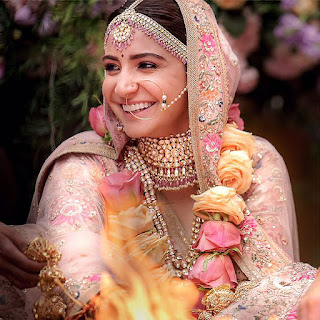 Anushka Sharma Wedding Blouse - Anushka Sharma Blouse in Her Wedding