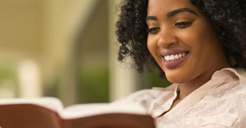 Pesquisa comprova que leitura da Bíblia reduz depressão e ansiedade