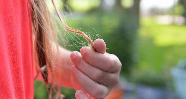 ছেলেদের চুল পড়ার কারন এবং চুল পড়া বন্ধ করার উপায়