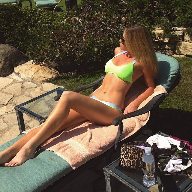Carly Lauren Hot Pics