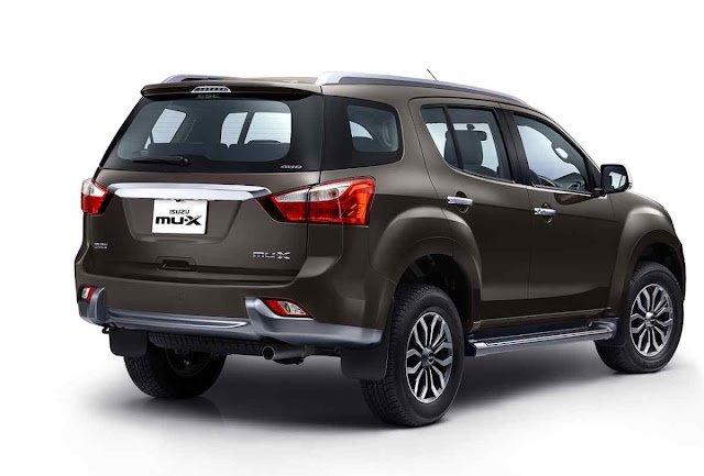 New 2018 Isuzu MU-X Facelift version right side look