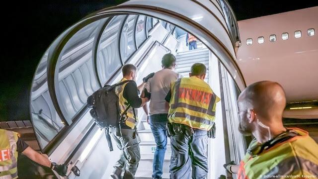 ألمانيا ستسمح بعمليات ترحيل اللاجئين السوريين اعتباراً من العام المقبل