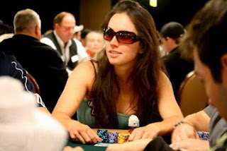 gadis poker 18dewa.com