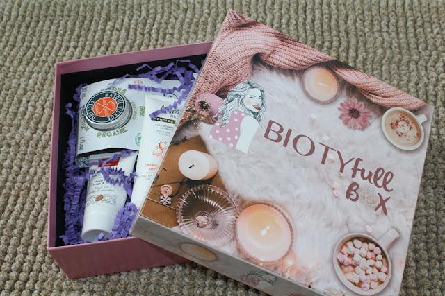 """Biotyfull Box de Novembre 2019 """"La Cocooning parfumée"""""""
