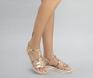 sandale ieftine aurii din piele eco cu talpa joasa