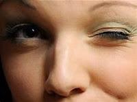 Mata berkedut: 8 penyebab dan obatnya