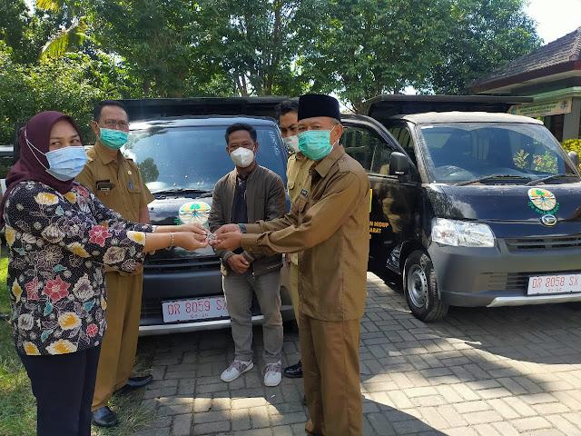 Dukung Program Ijo Nol Dedoro,Ketua DPRD Lobar Bantu Armada Sampah Untuk Desa Kuripan dan Senteluk