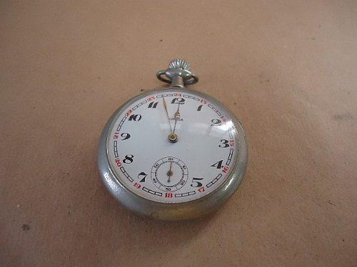 aac905c39bb Relógio de bolso eram mais visto nesta época