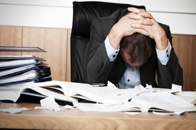 long-hours-stress-in-office-lead-to-burnout