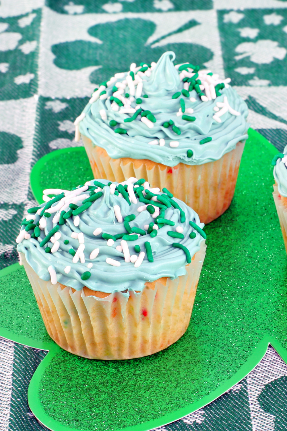 St. Patrick's Day Yogurt Cupcakes