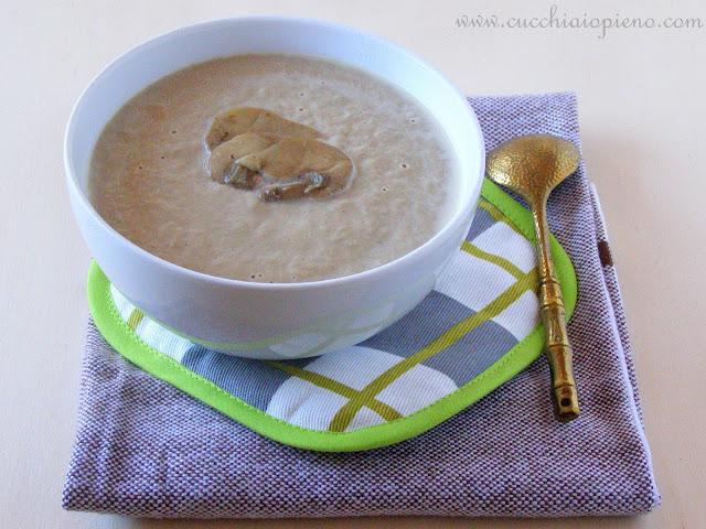 Sopa cremosa de cogumelo