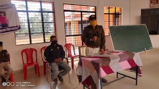 हर्रई थाना प्रभारी ने बच्चों के बीच पहुंच लगाई सड़क सुरक्षा सप्ताह की कार्यशाला