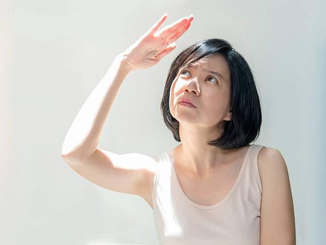 Melindungi Kulit dari Bahaya Sinar UV