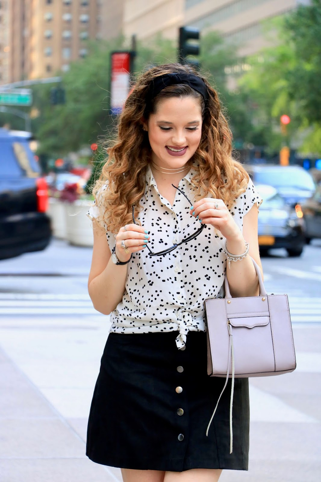 Nyc fashion blogger Kathleen Harper showing how to wear a tied a blouse
