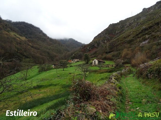 Ruta al Pico Castillo y la Rozada: Llegando a Estilleiro