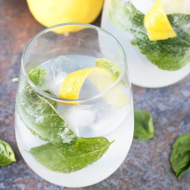 Lemon Basil Gin & Tonic #cocktail #drinks