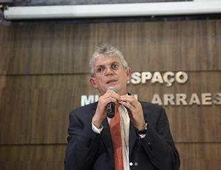 Ministro do STJ decide pela liberdade de Ricardo e mais três presos na Operação Calvário