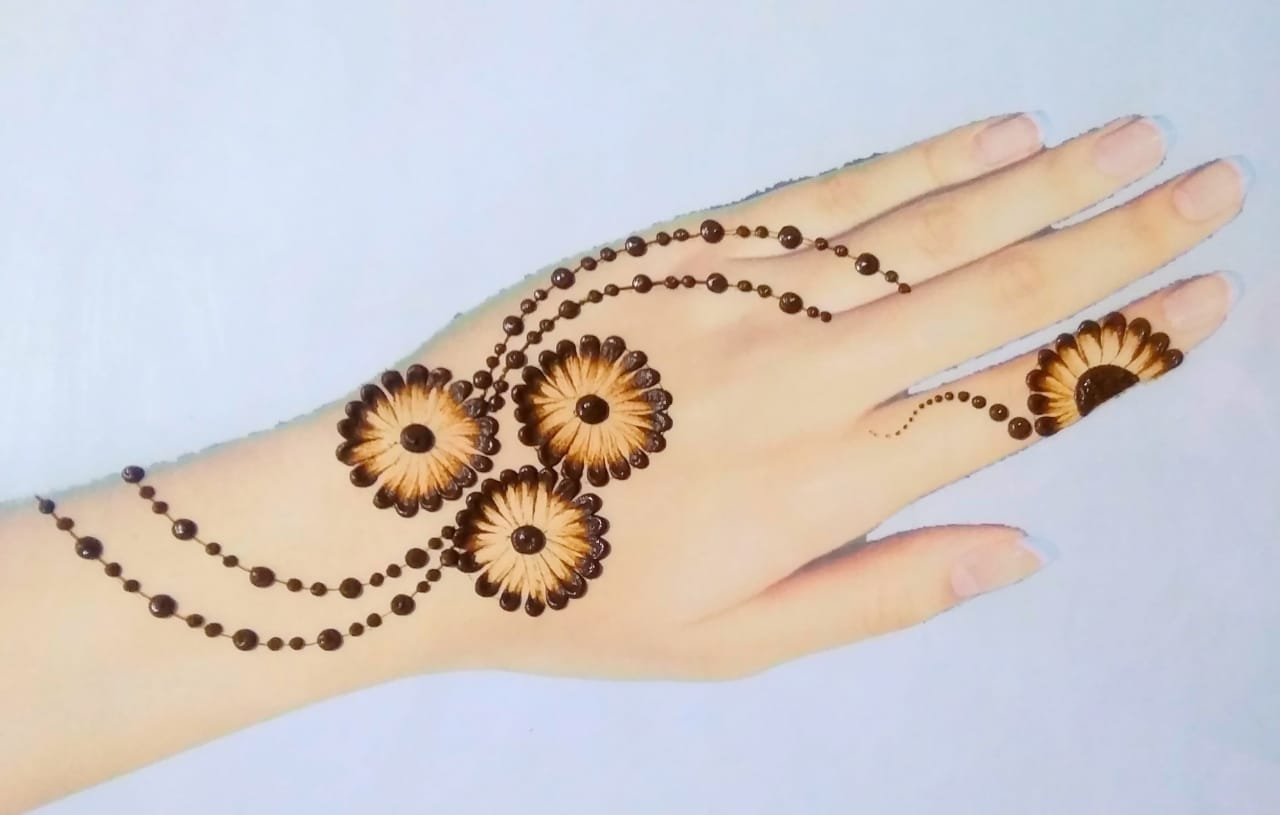 Cute Arabic Mehndi Design