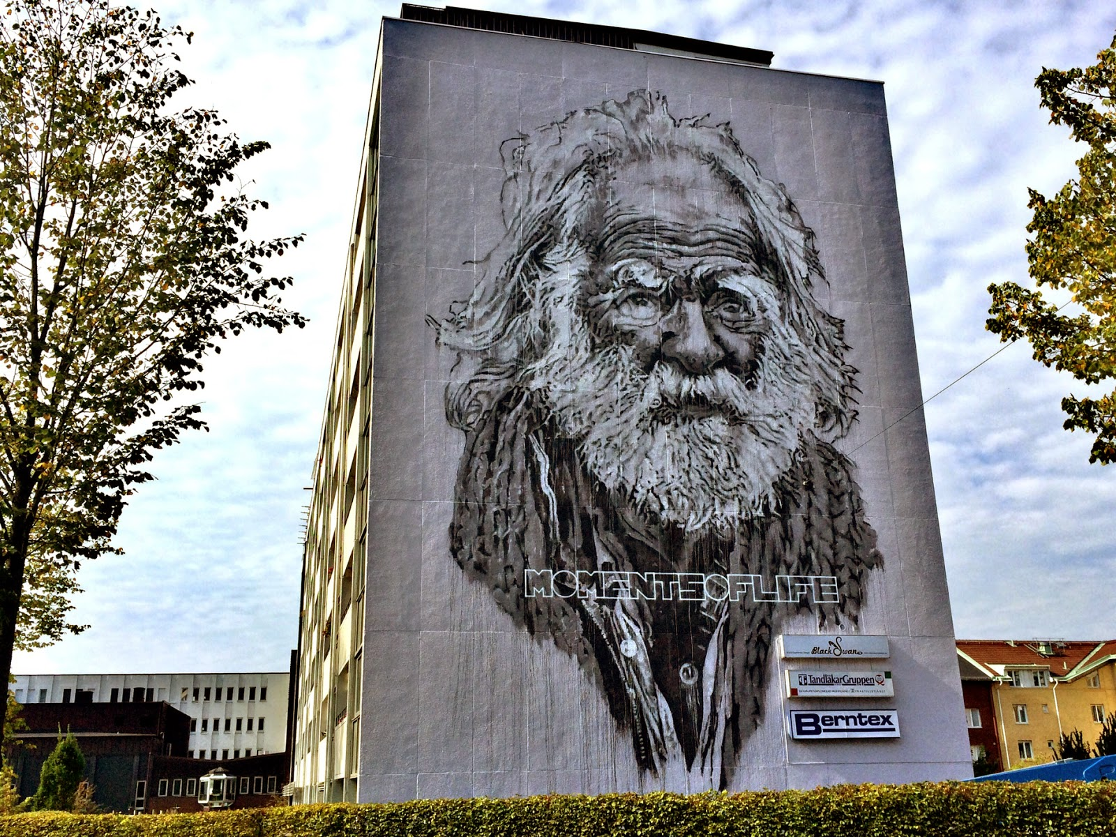 While we last heard from him in Djerba, Tunisia a few days ago, Ecb has now landed in Sweden to paint for the No Limit Boras Street Art Festival somewhere on the streets of Boras.