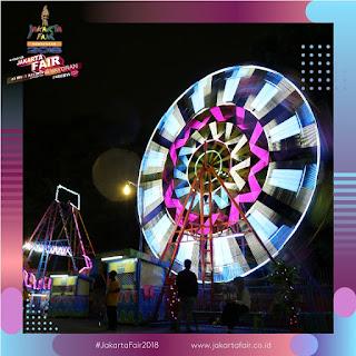 Bianglala untuk anak-anak di Jakarta Fair