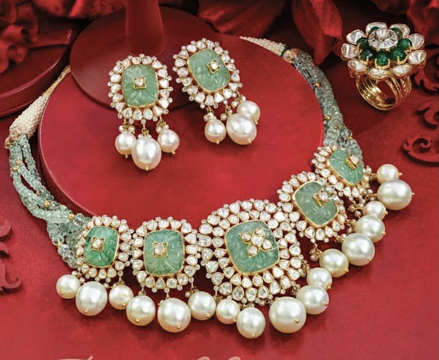Carved Emerald Choker with Pearls Drops