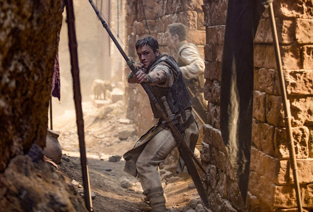 Film Robin Hood (2018)2