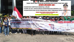 Unjuk Rasa Digedung KPK, Mahasiswa Desak KPK Periksa Walikota Sungai Penuh AJB.