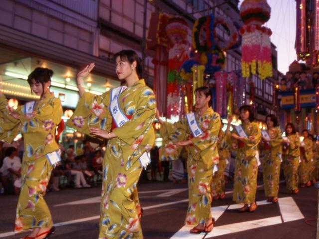 Hikonebayashi Odori (ritual dance), Hikone City, Shiga Pref.