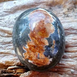 Batu Mustika Pagar Gaib Kyai Lomang