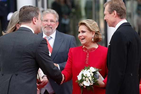 Prince Guillaume and Princess Stephanie, Grand Duke Henri and Grand Duchess Maria Teresa. Princess Stephanie wore Paule Ka oranger dress