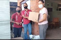 Komunitas Senapati Bali Bagikan Sembako Kepada Warakawuri dan Masyarakat