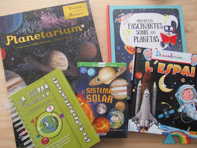 Portadas de los libros infantiles sobre el espacio Planetarium, Preguntas fascinantes sobre los planetas, Descubrimos...el Espacio, El Sistema Solar y Superpreguntones, la Tierra y el Universo