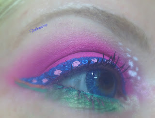 eye_makeup_look_pink_dots