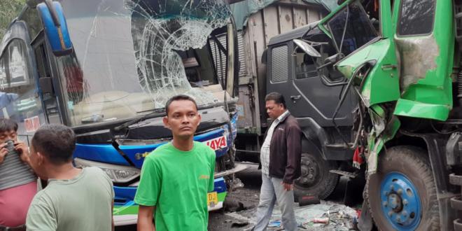 Kondisi mobil yang kecelakaan
