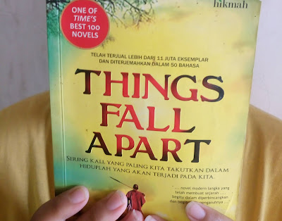 review novel things fall apart - catatan adi