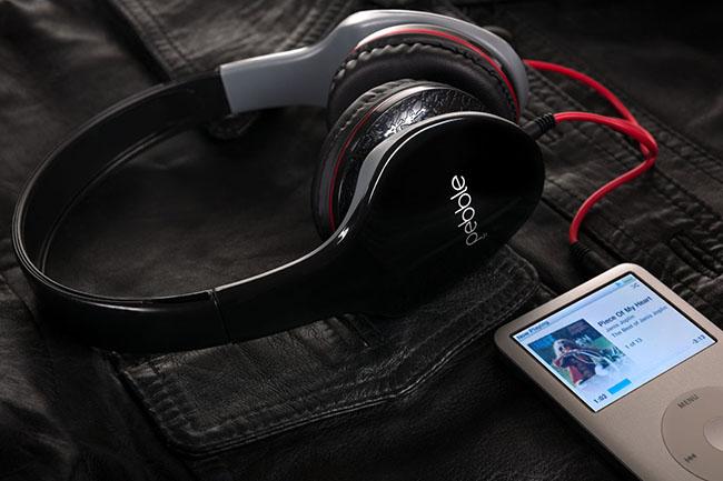 pebble-headphones