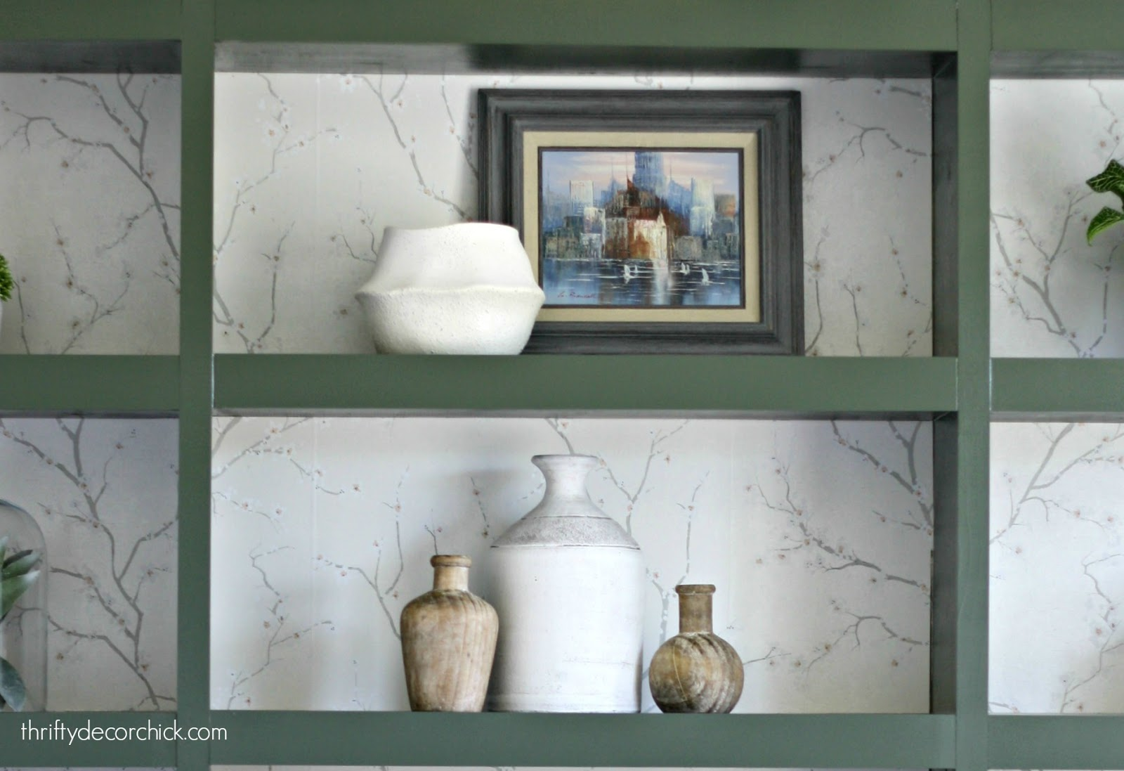 Decorating with vintage art