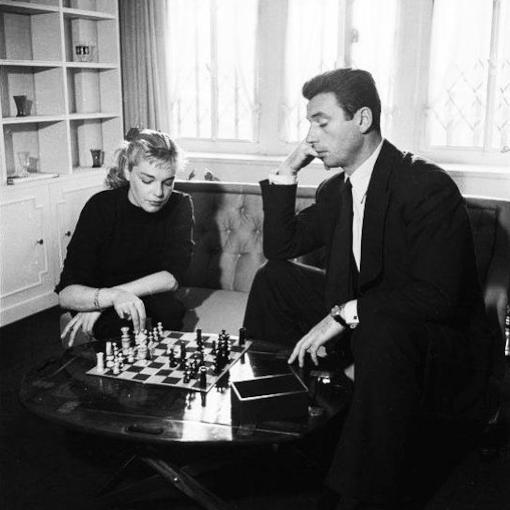 Simone Signoret et Yves Montant jouaient aux échecs