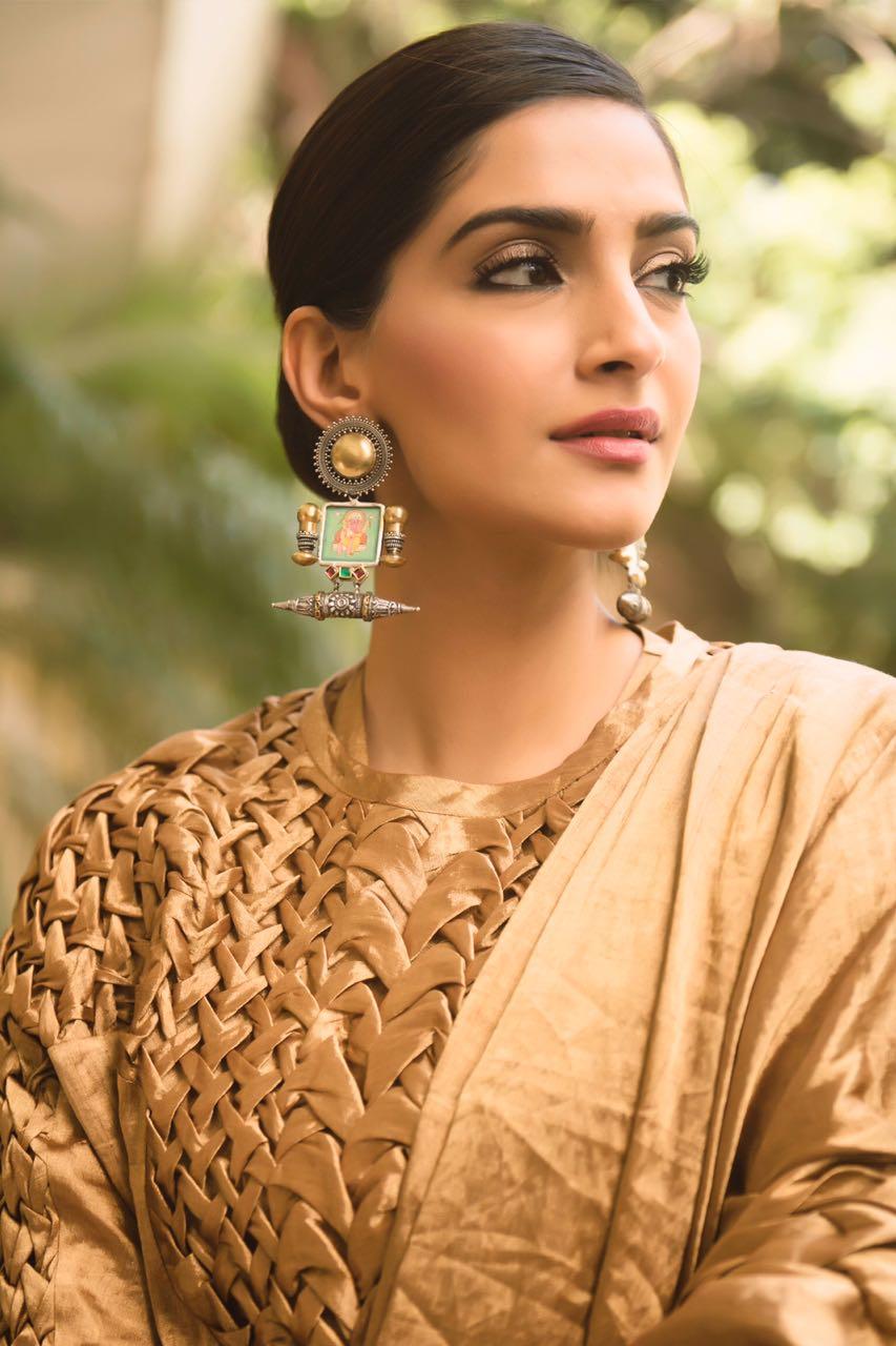 Sonam Kapoor photo 14