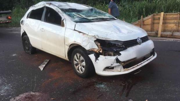 Duas pessoas ficam feridas após capotamento na BR 469 entre Toledo e Cascavel