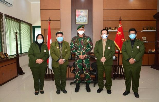 Pangdivif 2 Kostrad Menerima Kunjungan Pengurus DPD Warga Jaya Indonesia (WJI) Jatim di Madivif 2 Kostrad