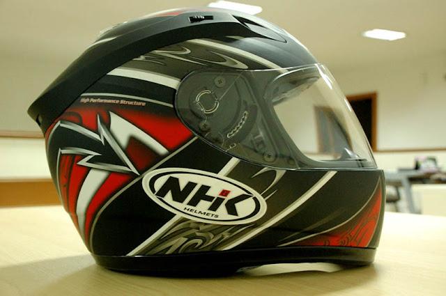 Cara Memilih Helm SNI yang Tepat
