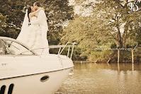 ensaio pré-wedding trash the dress realizada em porto alegre na marina das flores e a bordo de uma lancha navegando no rio guaíba